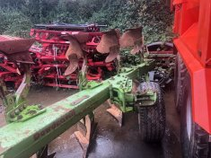 Dowdswell DP140S 6 furrow plough.